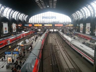 Hauptbahnhof är centralstationen i Hamburg